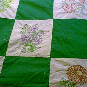 antique_enbroidery_quilt_2